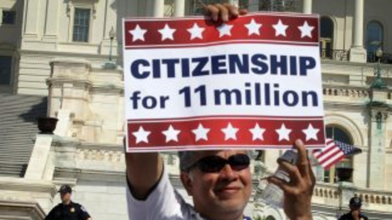 La reforma migratoria sacaría de las sombras a 11 millones de inmigrante...