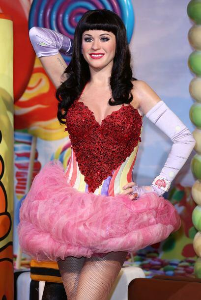 Esta es la de Katy Perry, parece de verdad.