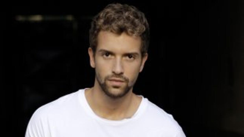 El afamado cantante español ha logrado iniciar 2015 con el pie derecho.