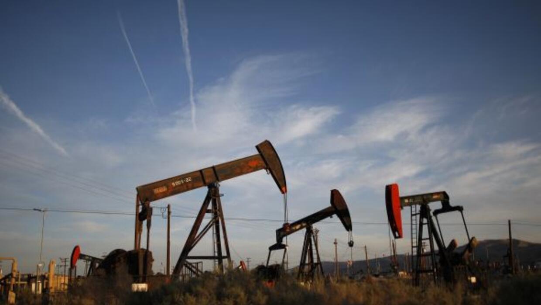El gobernador de Texas promulgó una ley que impide a los gobiernos local...