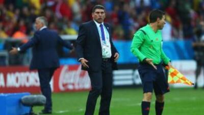 Luis Fernando Suárez es positivo a pesar del descalabro ante Francia.