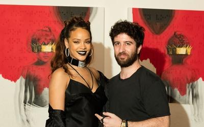 Rihanna y el artista Roy Nachum