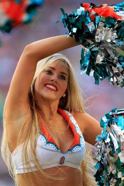 Esta chica lleva tres años animando al equipo y aficionados de los Miami...