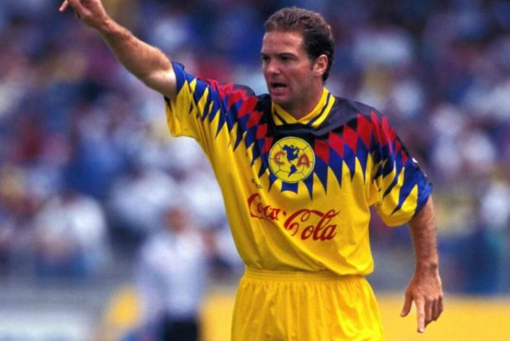 Luis García surgió de la cantera de Pumas para después defender la playe...