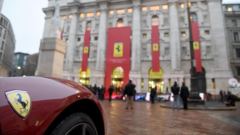 Ferrari debutó en la bolsa de valores de Milán