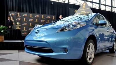 El Nissan LEAF recibió la mayor cantidad de votos de un panel de 66 peri...