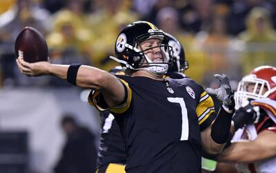 Roethlisberger lanza cinco touchdowns y Pittsburgh aplastó a Kansas City