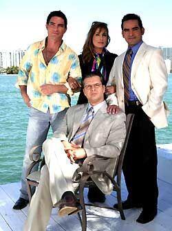 Esta era la elegante familia Corcuera. Todos tenían secretos.