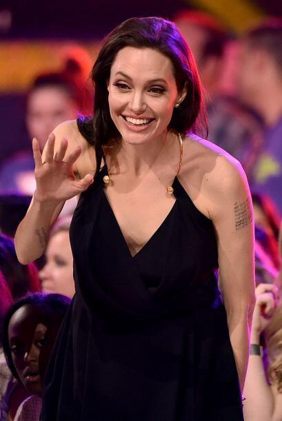 Angelina asistió el sábado 28 de marzo a los Kids Choice A...