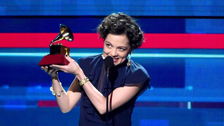 Natalia Lafourcade recoge el Latin Grammy de grabación del año
