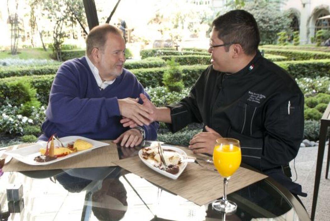 El chef Edgar Kano, chef ejecutivo del Hotel Four Seasons,  lo invitó a...