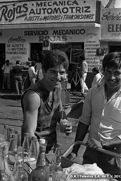 """Ernesto Laguardia era el humilde y atractivo """"Pancho"""" en """"Quinceañera""""."""
