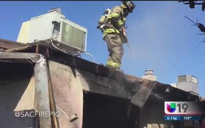 Incendio consume vivienda