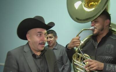Mira cómo reacciona Lupillo Rivera cuando le hablan de su hermano Gustav...