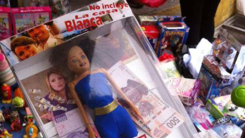 La nueva muñeca de moda es 'La Dueña', que imita a Angélica Rivera en re...