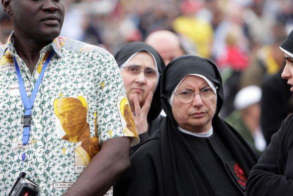 Esta religiosa en particular no luce de muy buen humor. Quizá ha...