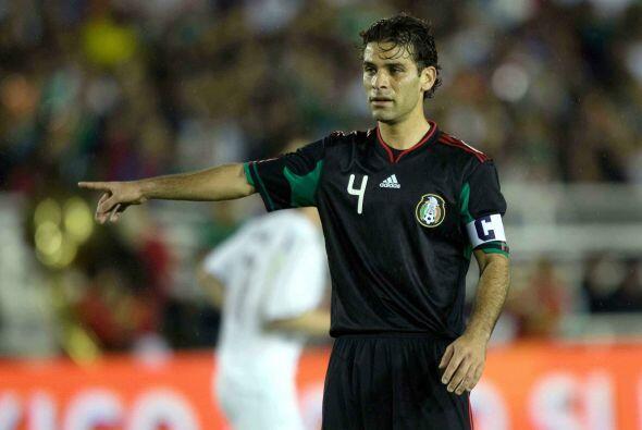 El 4 de la selección fue apartado de la selección mexicana durante el pr...
