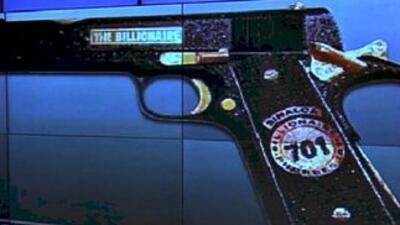 La pistola decomisada al capo, durante su detención en Mazatlán, tiene u...
