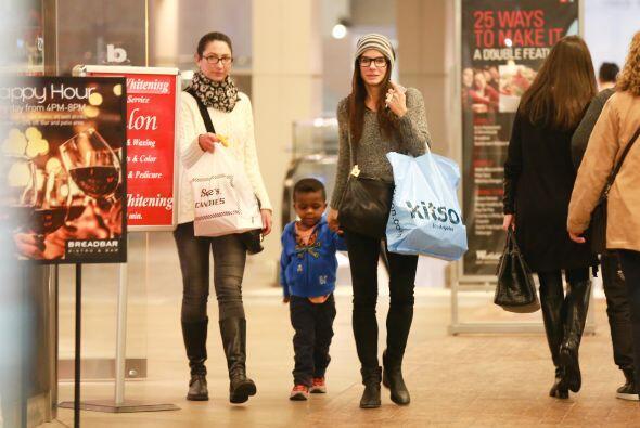 Realizaron varias compras en las tiendas. Mira aquí los videos más chism...