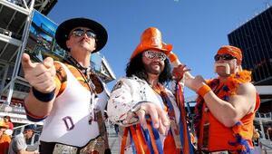 Miles de fanáticos se dieron cita en el estadio Levi's para disfrutar de...