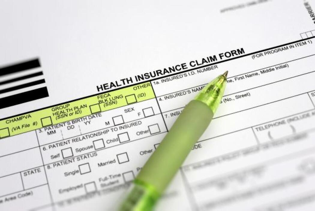 1-Inscriba a su hijo en un seguro de salud -La cobertura de salud puede...