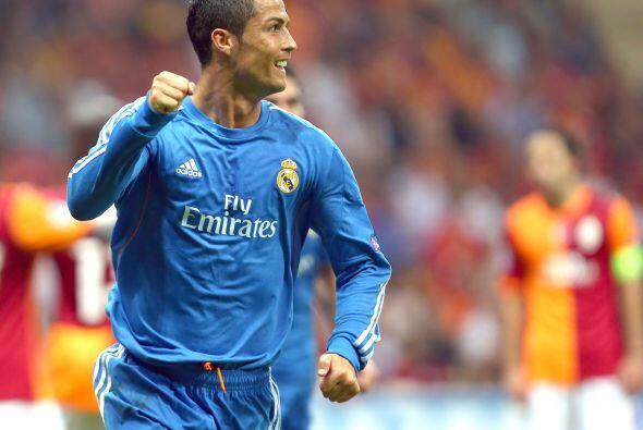 Era momento de que el portugués Cristiano Ronaldo hiciera de las...
