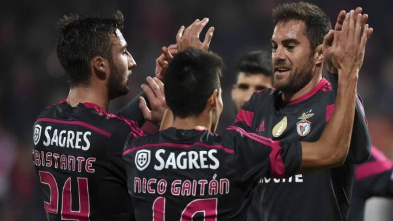 El Benfica se aferra a su ventaja para mantener el liderato.