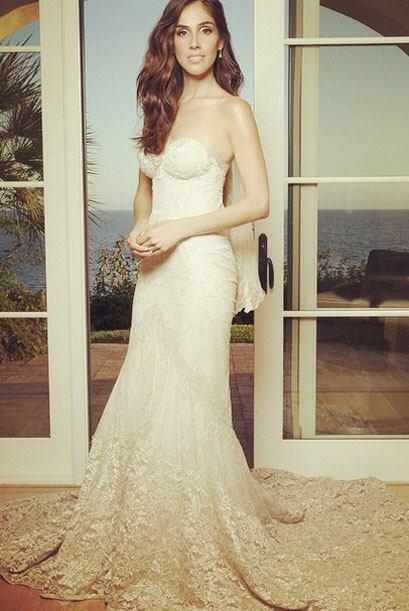 ¡Mira los detalles del bonito vestido! Ella lo llamó su &qu...