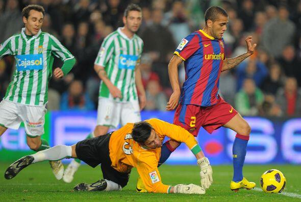 Dani Alves parecía obstinado en marcar su gol, pero despué...