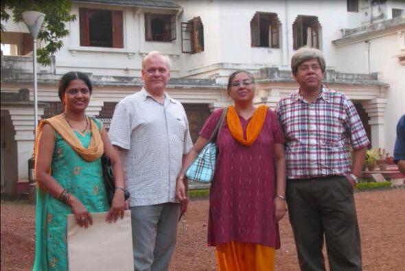Nació en la India, de familia francesa. Aunque su nacionalidad era de Fr...