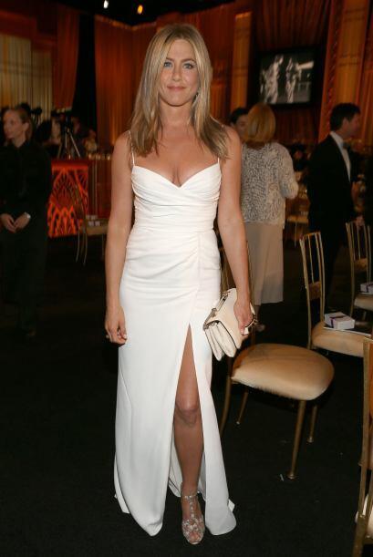 9.- Aniston tiene su lado salvaje, después de dejar a Pitt, en un...