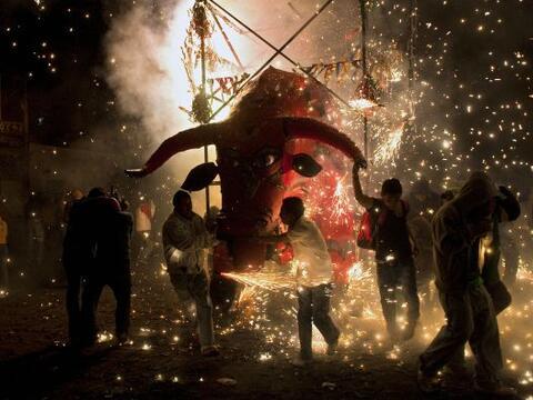 Tultepec es característico por ser uno de los principales productores de...
