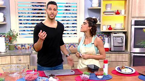 Mela ayudó al chef Jesús a preparar un pastel de carne muy a su estilo