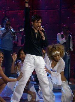 Pee Wee interpreta Cumbayá, de su disco Soy Yo.