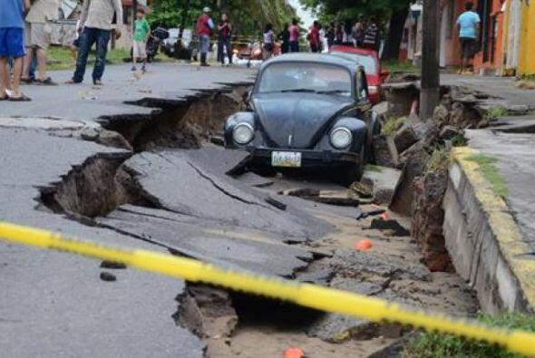 Dos tormentas tropicales azotaron México, calles afectadas, casas y, via...