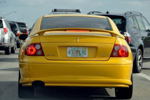Para los que extrañan al Pontiac GTO. Ahora ya son piezas de cole...
