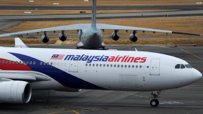 FBI promete terminar la investigación del avion malasio en día y medio
