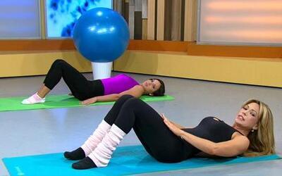 Haz ejercicio junto a Chiqui y Claudia para fortalecer el abdomen