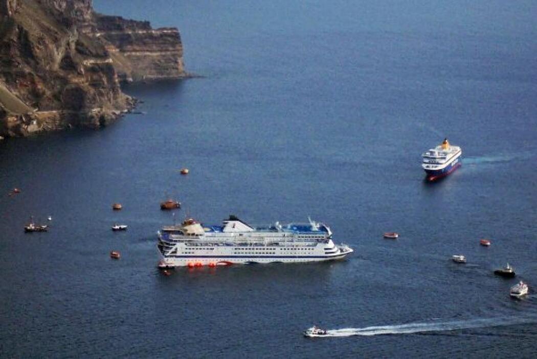 Antes del caso del Costa Concordia el Sea Diamond chocó contra un arreci...