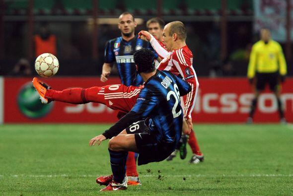 En este duelo, ambos equipos buscaron el gol, pero también eran cautos.