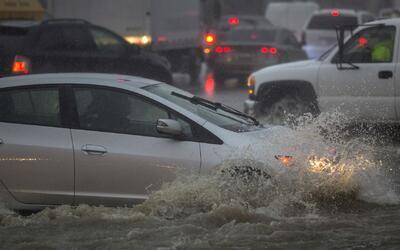 Severas tormentas causan emergencias y dejan a miles de personas sin ele...