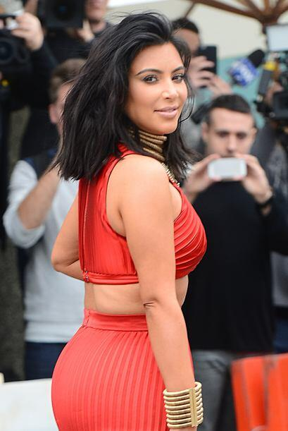 A la Kardashian le encanta experimentar con su look.