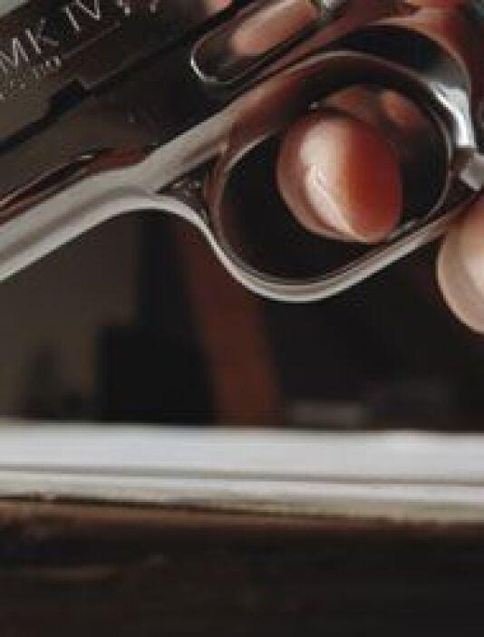 Mejor actor en serie dramática-> Bryan Cranston (Breaking Bad).