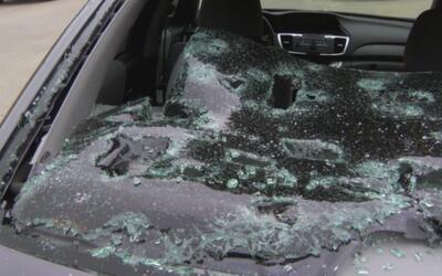 En el distrito escolar de Little Elm el granizo provocó daños en la mayo...