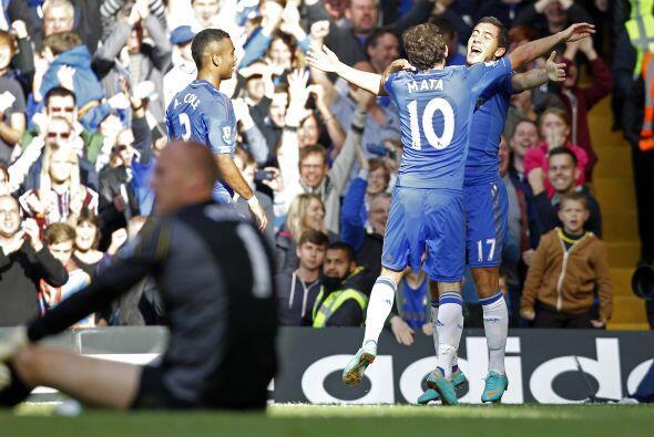 Colaboró para el gol de su compatriota Fernando Torres y m&aacute...