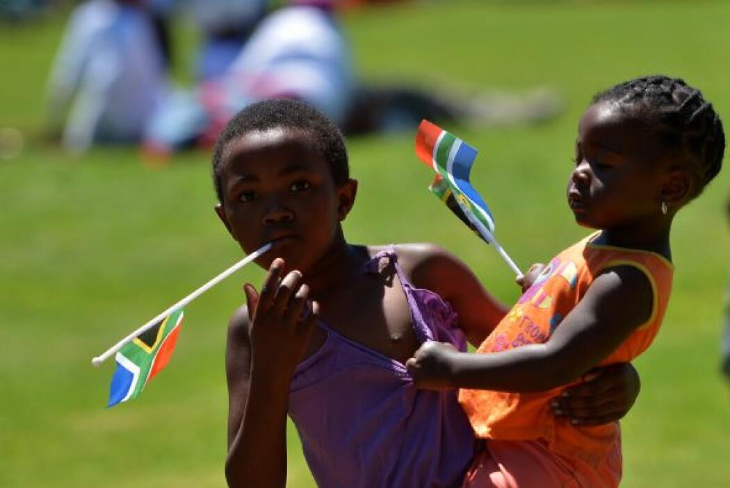 El respeto al duelo por Mandela, el hecho de que coincida con un domingo...