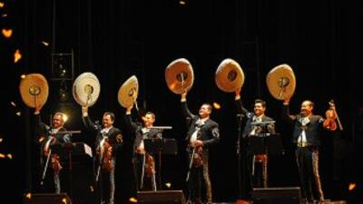 """El Mariachi Vargas de Tecatitlán tiene un papel protagónico en """"Cruzar l..."""