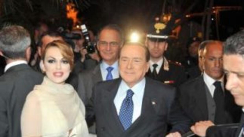 El exprimer ministro, Silvio Berlusconi, de 77 años, ha contraído matrim...