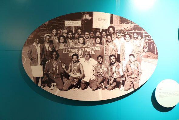 1984- EDP College fue campeón de Baloncesto y sub campeón...