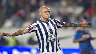 Las Chivas de Guadalajara cada vez más cerca del descenso, perdieron ant...